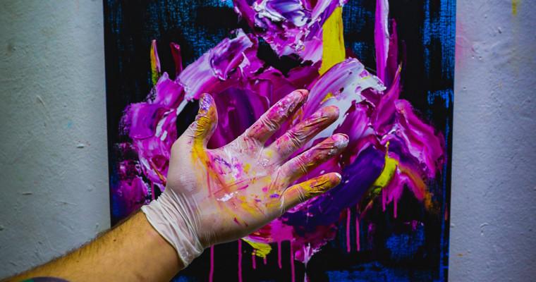 Künstler-Porträt: Unter den Farbschichten