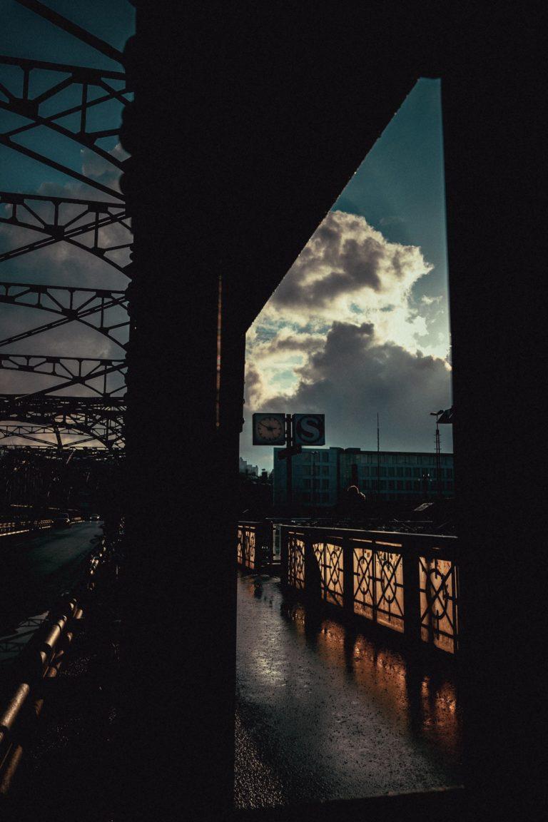 Bilder aufgenommen in München während meines zweiten Testlaufes mit einem Ultra Weitwinkel Objektiv in der Nähe und auf der Hackerbrücke.
